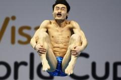 funny-diver-faces-12