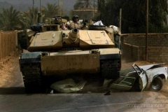 tank_crash_a_car