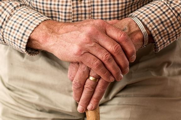 stariji covek