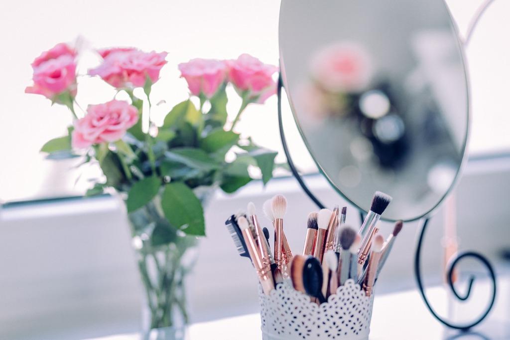 saveti za lepotu - čestkice za šminku