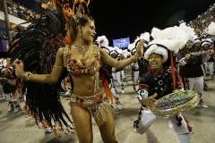 499540-rio-carnival-2013